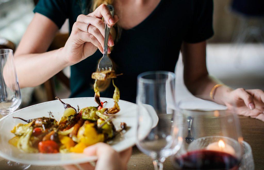 食べてないのに痩せない、本当はきちんと食べたほうが痩せるって知ってますか??