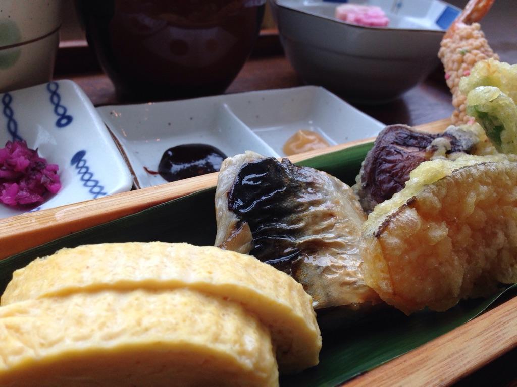 マチカフェの京料理のおばんざい。美味しいですね。
