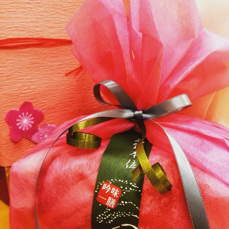 和紙タイプの熨斗に桜が素敵です。