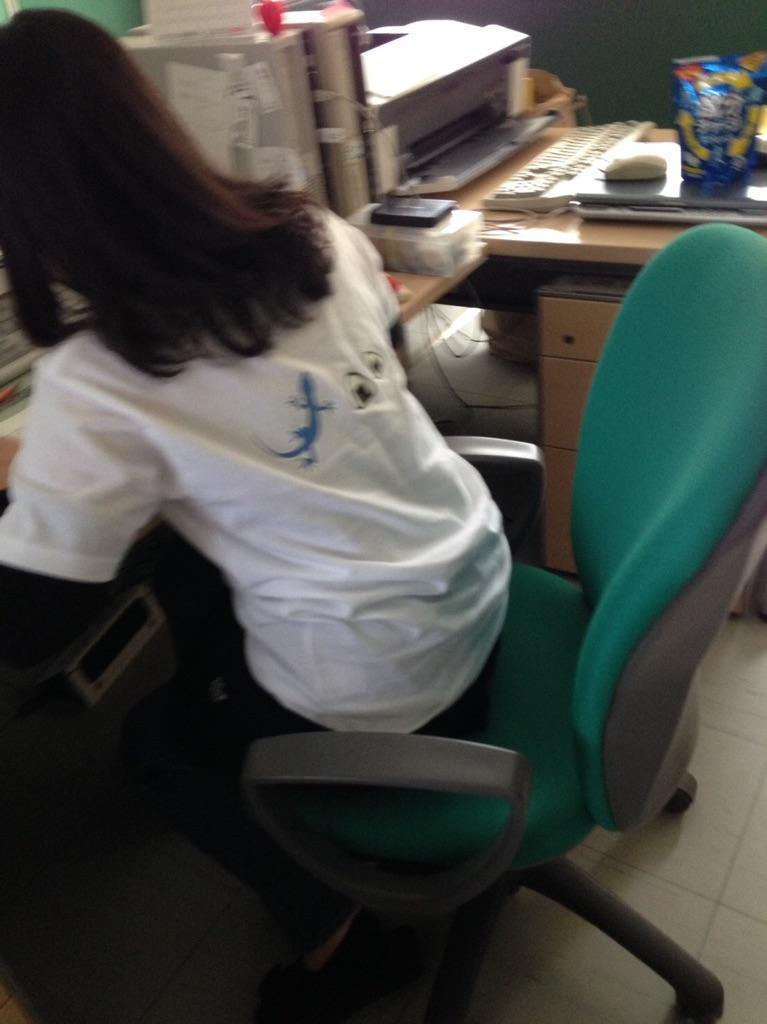 米イラストのオリジナルTシャツが、お米屋さんで働く女子の絆になった!