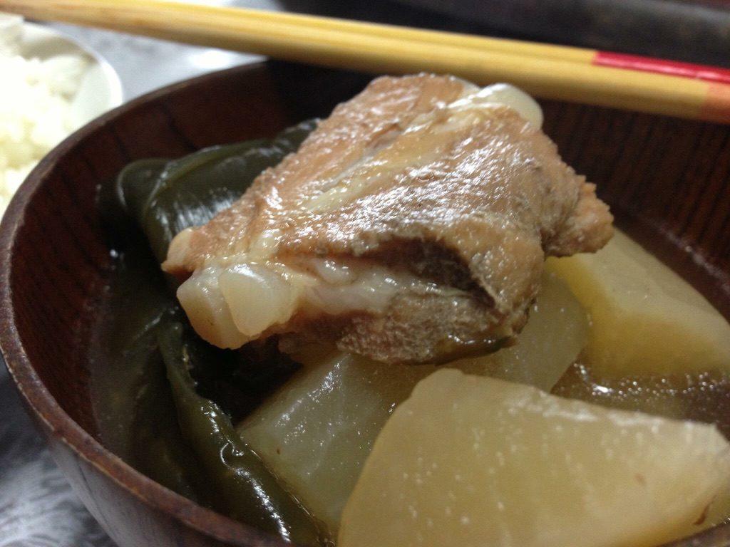 沖縄の代表的な料理、ソーキ汁